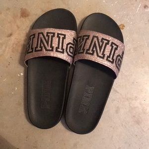 Size 7 pink slippers